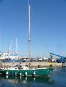 auf halbem Wege zum Segelboot
