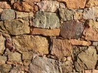 korsische Natursteinmauer
