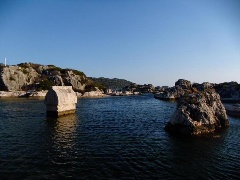 schwimmender Sarkophag in Kaleköy