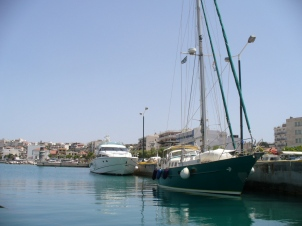im Hafen von Korinth