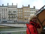 Margrit steuert durch Lyon