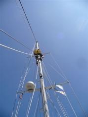 Skipper muss in den Mast