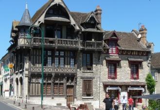 altes Haus in Moret