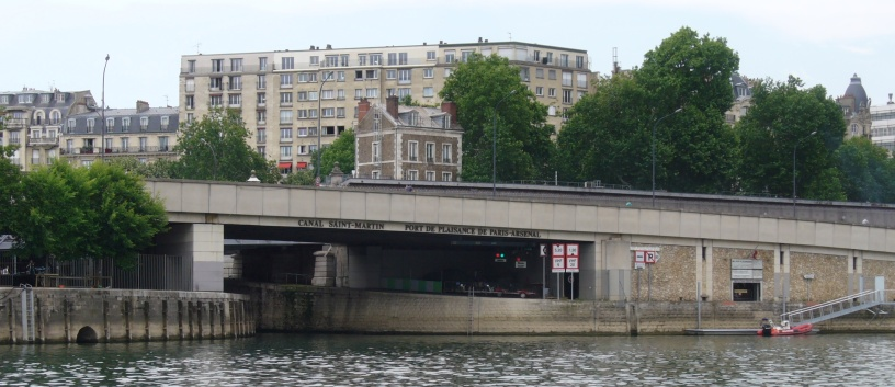 Eingang von der Seine in den Stadthafen