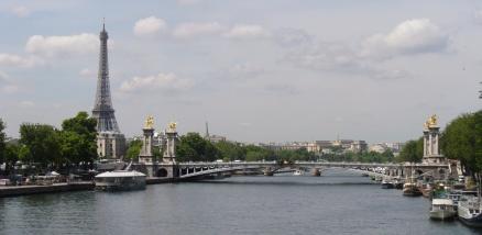 Pont Alexandre III mit Tour Eiffel