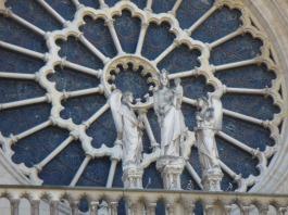 Notre Dame Rosette über EIngang