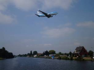Schiphol an Backbord