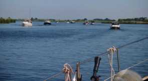 Motorboot-Rushhour